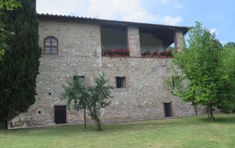 Stone Farm House For Sale Near Lucca